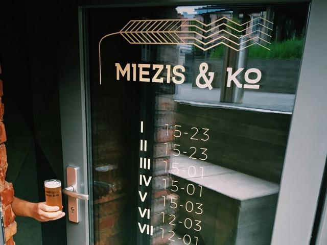 Miezis un kompānija alus bāra logo izstrāde