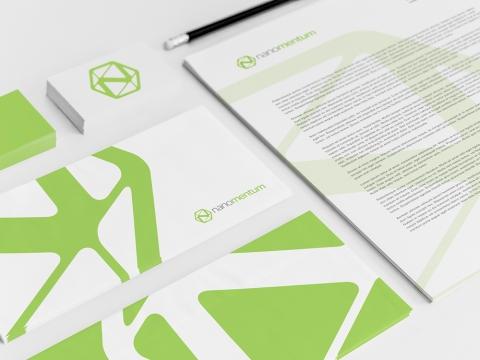 Nano tehnoloģiju tirdzniecības logo un veidlapu dizains.
