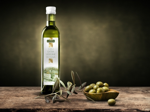 Development of a graphic design for a special release label for olive oil