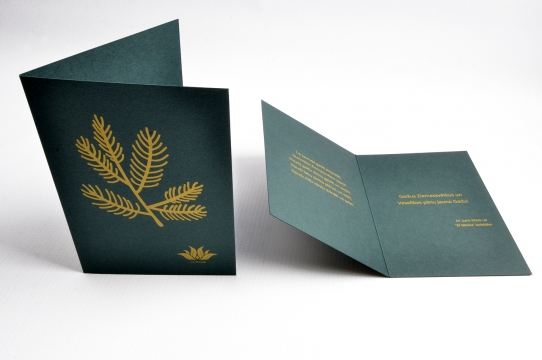 Ziemassvētku kartiņas ar zelta druku