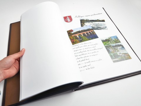 Production of a yearbook in hardcover