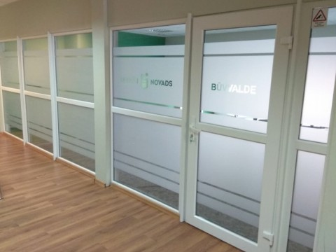 Windows with sandblasting film