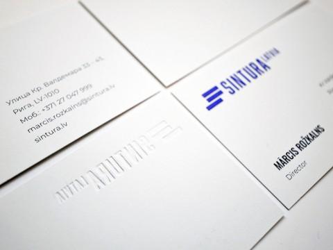 Vizītkartes ar dobspiedi